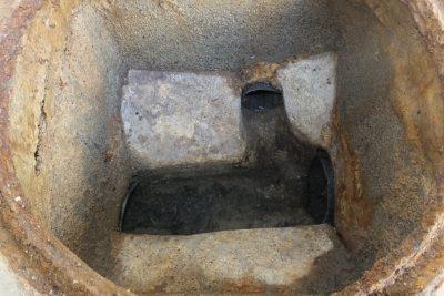 排水桝水漏れ修理前