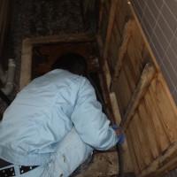 排水管高圧洗浄中