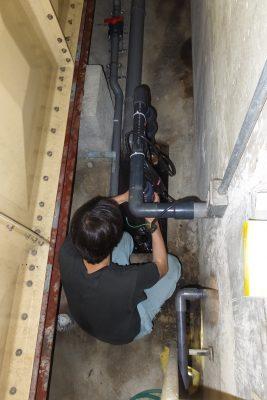 排水ポンプ工事中
