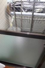 割れたベランダの窓ガラス取替交換