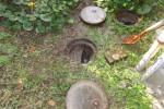 トイレを流すと外の会所で汚水が逆流,溢れてきた/排水枡の詰まり高圧洗浄清掃