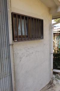 初日脆い部分の外壁はがし作業後