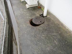 排水マス、排水管清掃の様子