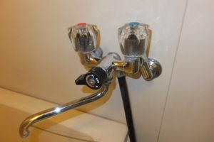 バスシャワー混合栓取替前