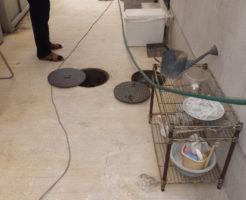 土間排水高圧洗浄作業中