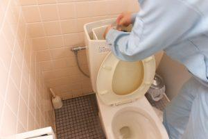 トイレタンクの水道詰まり修理