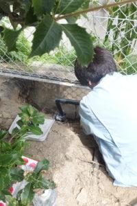 水道給水管水漏れ修理中