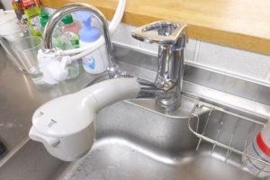 シングルレバーシングルホール蛇口 水漏れ 修理中