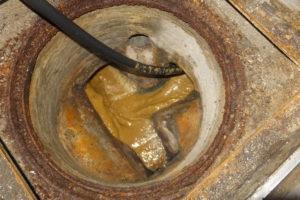 高圧洗浄時出てきた汚物と汚水