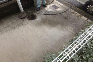 駐車場からの排水マス高圧洗浄作業