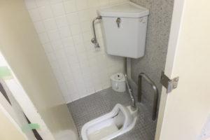 水が流れない和便器と、水が溜まらないトイレタンク