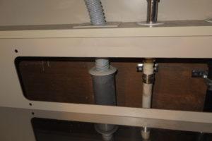 排水管に防臭ゴムが取り付けられました
