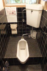 トイレ和便器タイプの水漏れ修理