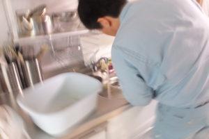 キッチン排水口から薬品清掃