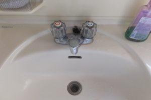 洗面台の2バルブ混合水栓水漏れ