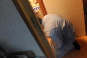 トイレ詰まり解消後汚水で溢れた床掃除