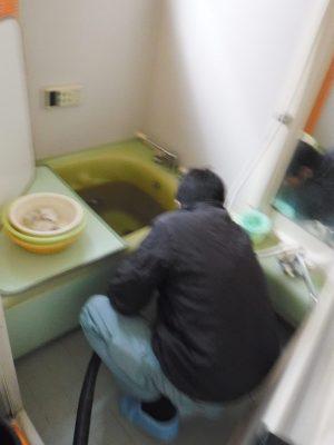 お風呂の詰まり予防清掃