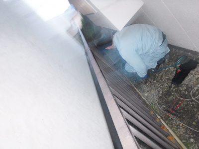 キッチン配管高圧洗浄中