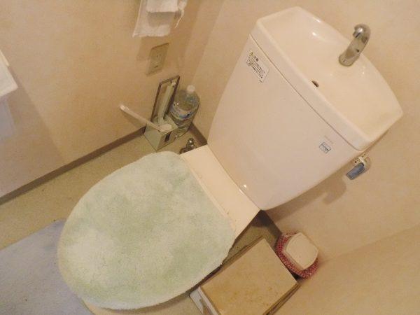 レバーハンドルを捻っても水が出なくなったトイレタンク