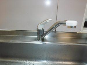 シングルレバー水栓、目地取り換え前