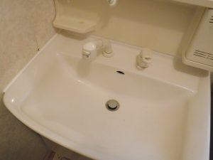 洗面台の目地新設後