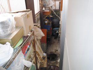 各排水マスを清掃してから補修作業