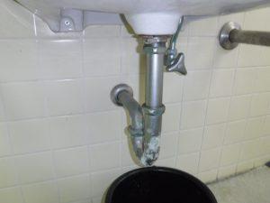 洗面器Uトラップ排水パイプの水漏れ