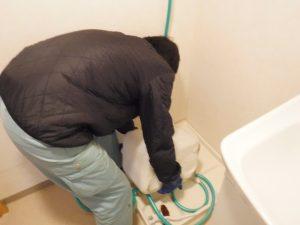 洗濯機洗濯盤の薬剤清掃中