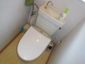トラブルが起きている洋式トイレ