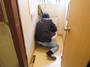 床下部分部分水道工事ご便器取り付け