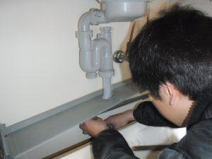 台所排水パイプの水漏れ予防施工