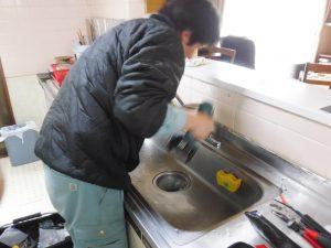 キッチンシングルレバー水栓修理中