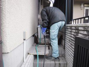 詰まり解消高圧洗浄清掃作業中