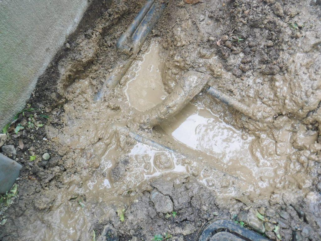 水道管がすっぽ抜けていたようです