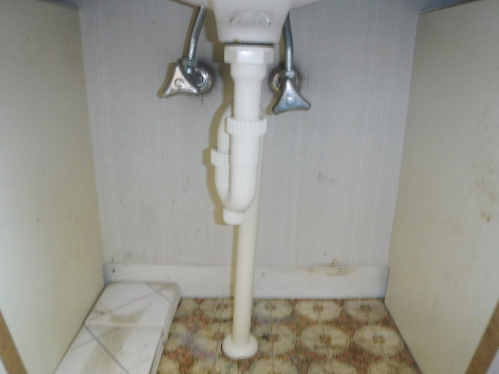 排水パイプの取り換え交換作業