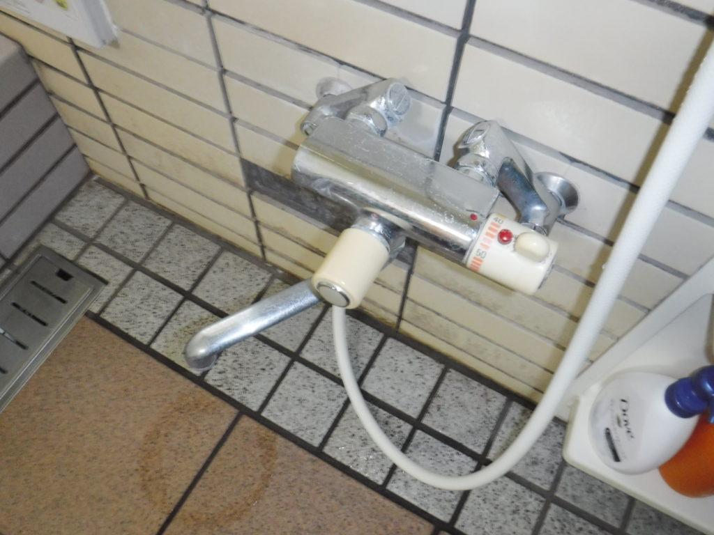 取り換え前TOTOサーモスタット式バスシャワー混合水栓