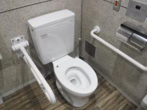 介護トイレの便座取り換え交換前