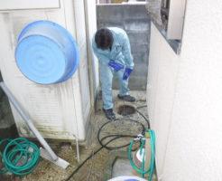 兵庫県伊丹市での排水管まとめてパイプクリーニング中