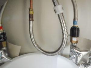 シャワーホースの水漏れがひどくてあまり使えません