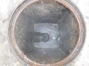 屋外排水管とマンホールの清掃作業後