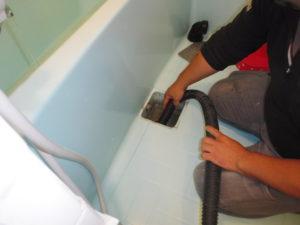 お風呂配管清掃中