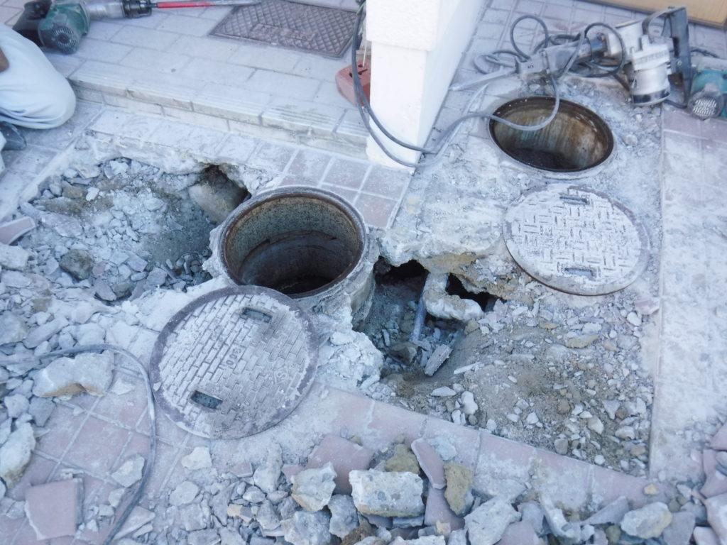 豊中市での下水管工事現場