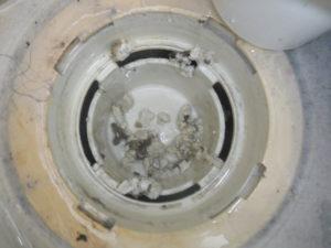 キッチン配管の詰まりと洗濯機の水を流すとゴポゴポと音がして溢れて逆流の原因が油の塊