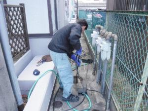 屋外下水の高圧洗浄清掃作業