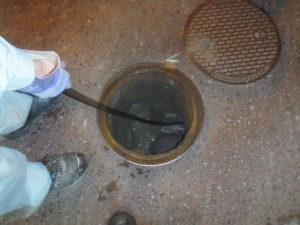 屋外での配管詰まり解消高圧洗浄清掃作業