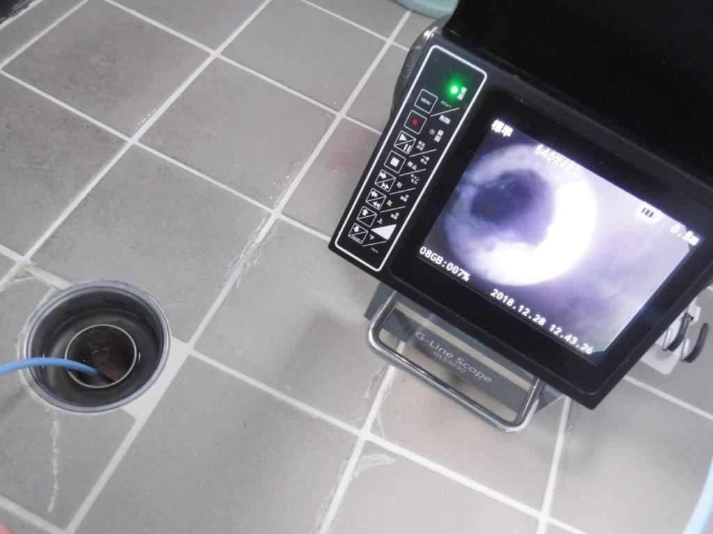 排水管の管内調査カメラ作業