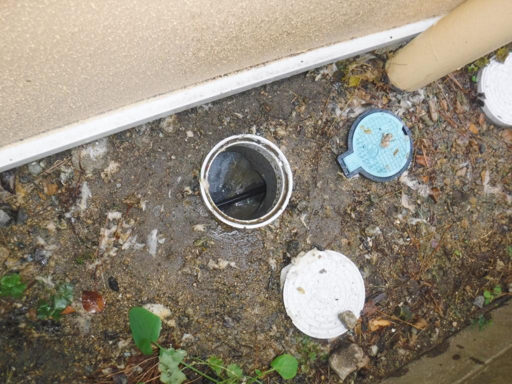屋外排水管の詰まりを解消し水が溢れなくなりました