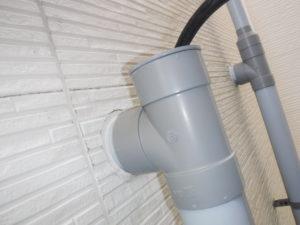 2階のキッチン排水管高圧洗浄清掃作業中
