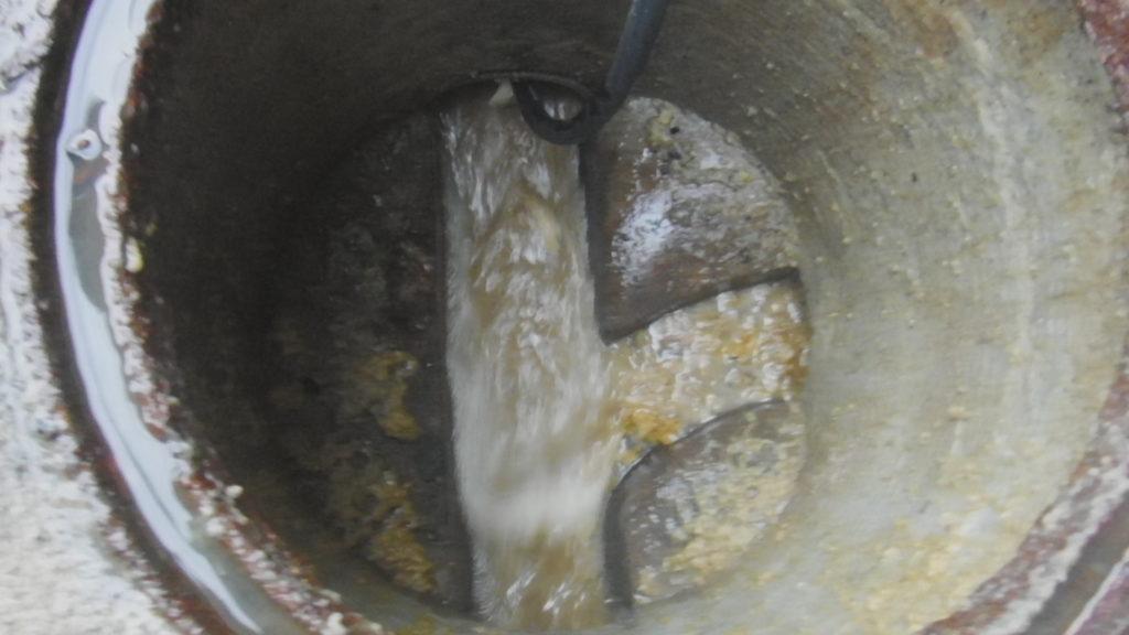 高圧洗浄でスムーズに水が流れるようになりました