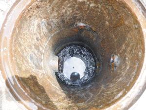 汚水桝の底辺までしっかり汚泥除去完了